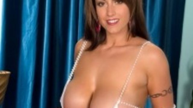 Eva Notty Exclusive: Titties & Tugs