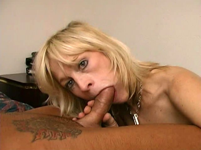 Cute Blondie Grandmother Kari Deepthroating A Monster Spunk-pump With Enthusiasm