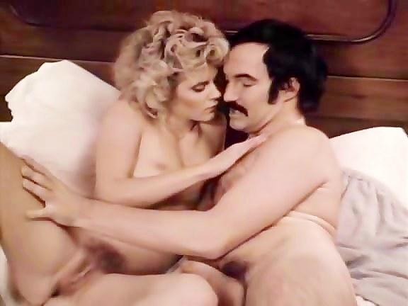 Ginger Lynn Allen, Sasha Gabor In Naughty Unfashionable Porno Honey Loves To Inhale Chisel