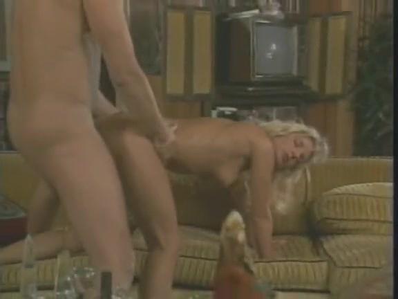 Victoria Paris, Tianna, Chessie Moore In Antique Porno Movie